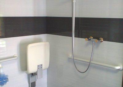 Exemplo de criação de quarto de banho acessível